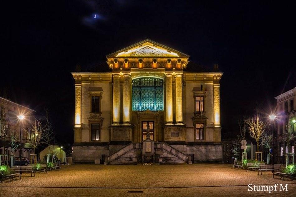 Palais de Justice soir