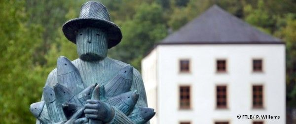 statue Folon